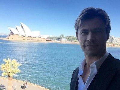 Fifty shades of Hemsworth<3