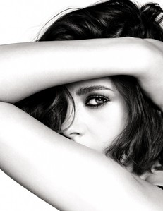 Kristen <3...she's been my woman crush for over 5 years.I l'amour her!!!