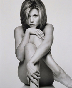 Jennifer in nude for photoshoot :D