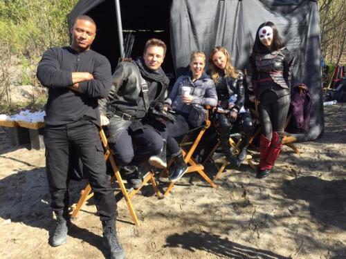 John with Arrow cast mates