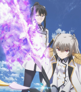 This duo can be a reason for bạn to try Qualidea Code. Just don't stop at episodes 4, 7, hoặc 8. The one with the Black Hair is Kanagawa Subhead Hotaru Rindō, the one with the White Hair is her childhood friend Maihime Tenkawa.