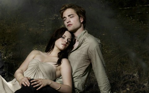Robert and his Twilight Saga leading lady,Kristen Stewart<3