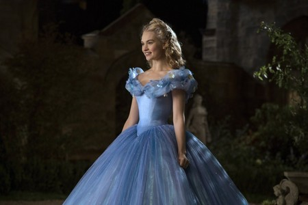something exactly like Cinderella's blue japon, jurk from Disney's Cinderella(2015) worn door Lily James