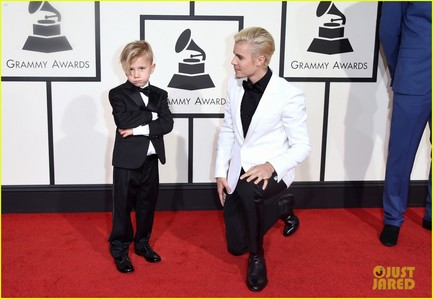 J&J donning black at the Grammys