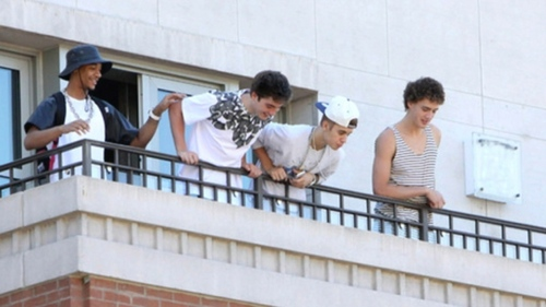 Bieber from his hotel balcony
