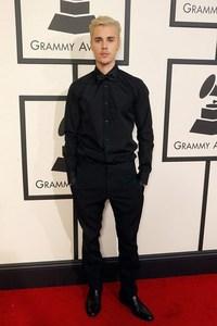 Bieber in all black