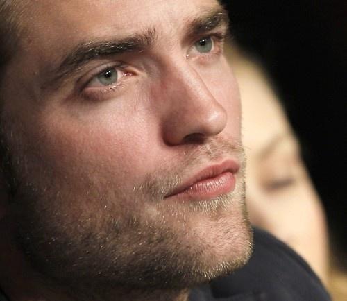 Robert's sensual,kissable lips<3
