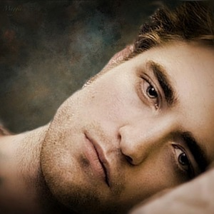 """I Любовь EVERY body part on Robert's 6'2"""" sexy body...but since we can only pick just one,I'd say it would be his eyes.They are dreamy,and are the windows to his soul<3"""