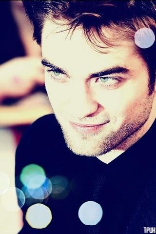 he has stunning eyebrows<3