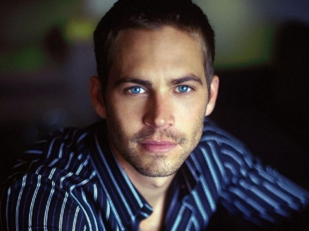 the late Paul Walker had the most beautiful,dreamiest blue eyes ever...as blue and as deep as the Pacific Ocean