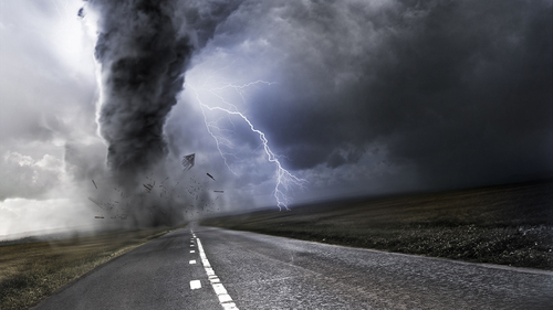 给 the 最近的 news, this seems very insensitive but I 爱情 tornadoes. I think they're fascinating and beautiful to look at though obviously very destructive.