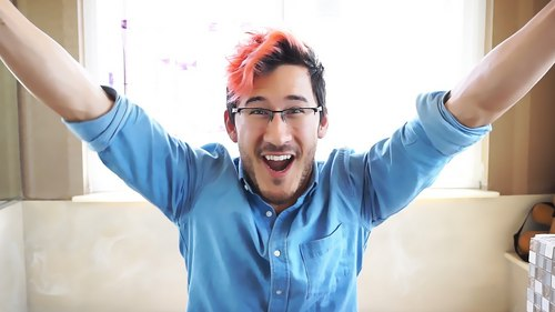 MARKIMOO! I amor Markiplier. He's an adorable bundle of energy who's so positive and funny and just makes me so happy when I watch his videos. ;u; I also like Onision. He opened my eyes to a lot of things. But yeah, back to Mark- His vídeos help me out when I'm in a slump of depression. The things he says when he's actually being serious are usually really inspiring and touching. I just amor this guy. >w<