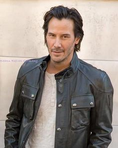 I've legit been obsessed with Keanu Reeves for like 2+ months straight now. Normally I 移动 on from my obsessions but I CAN'T QUIT HIM!