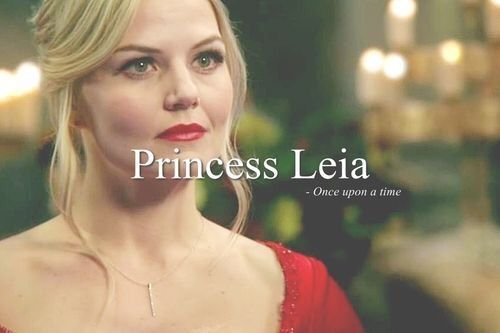 This is just one if my Favorit pics if my Favorit character,Emma.I also Liebe Hook