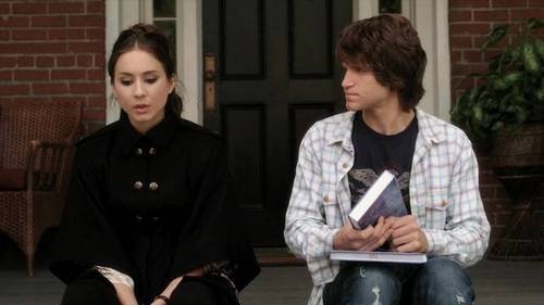 Spencer and Toby from Pretty little liars. I'd really like to make a banner but I don't know how, so I'll just have to use this