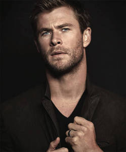 Chris Hemsworth...he's one sexy beast!!!!