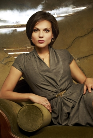 I'm thrilled to say that after getting it cut super short it grew out looking like season 1 Regina's. This pic in particular.