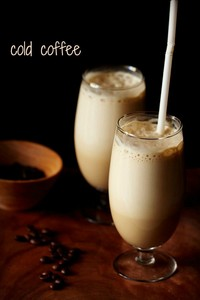iced maziwa tea,cold coffee(most favorite), milkshakes and selected flavors of juices ( i dont like apple juice).....