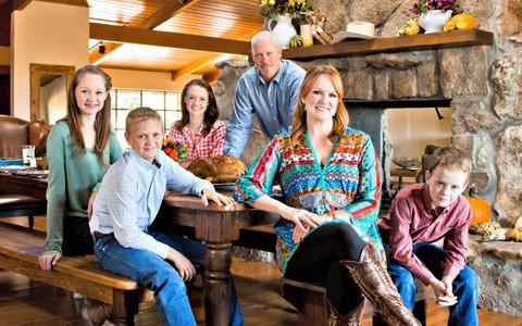 Ree Drummond -OG ranch momma -Loving family -Master chef -Total babe