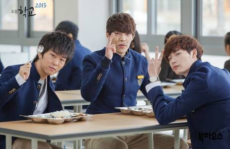 I've been re-watching School 2013 again so I'm obsessed with the main characters yet again.