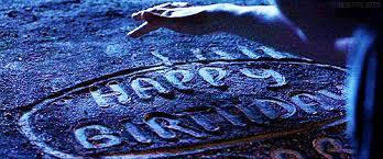 i think its better u keep the ravenclaw cake itself.... ファン who know each an every detail might recognize that birthday cake which look like the cake Hagrid gives to Harry on his 11 b-day, but others they might not...... ravenclaw's symbol will be もっと見る prominent....... anyway its ur choice! :) whatever u choose, please dont regret choosing it! and advance happy birthday!! :)