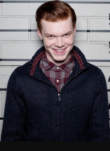I Cinta the joker because he is nuts and something about the ways he acts are just captivating. I know his entire history and what his real name is. I've watched most of the Filem and tv shows staring the joker. My kegemaran jokers are Cameron Monaghan's, Jerome Valeska, and Heath Ledger's Joker. The picture below is Jerome Valeska from the tunjuk Gotham