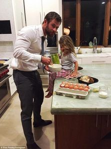 "Chris Hemsworth being domestic and baking a cake for his daughter,India,for her birthday.Awww,what a ""sweet"" daddy<3"