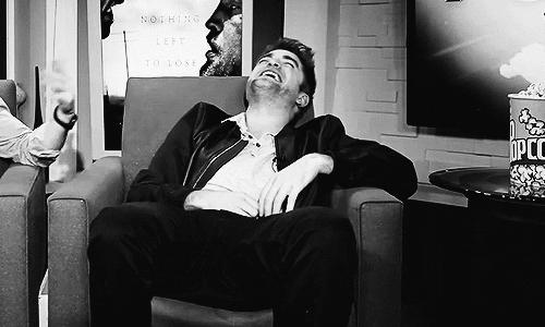 I pag-ibig his laugh<3