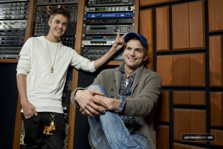 Justin with Ashton Kutcher !