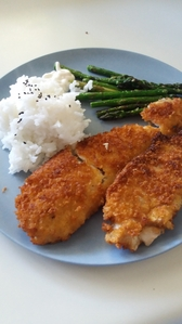 Don't celebrate it in NZ. But I made homemade panko crumbed مچھلی with black sesame seed چاول and garlic asparagus کے, مارچوبہ for the fam for dins ^^ Looks meh but it was so tasty tbh