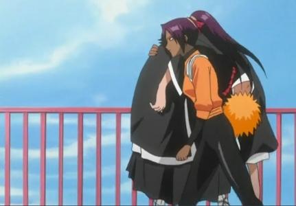 (Bleach) Yoruichi Carrying Ichigo on Her Shoulder