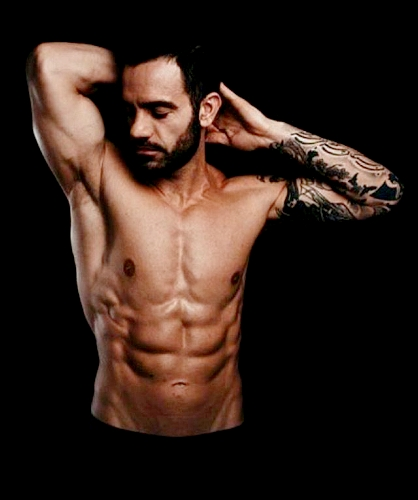 Ramin who looks ABSolutely amazing !!