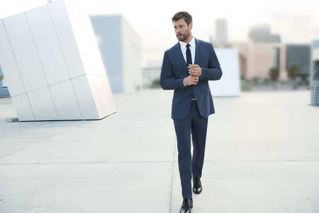 Chris is hot no matter what,but him in a suit....WOWZA!!!!!!!