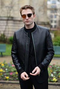 愛 him in leather<3
