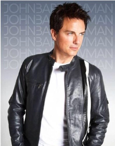 Leather on hot guys >>> Anything else !