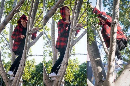 Justin being a monkey 😂
