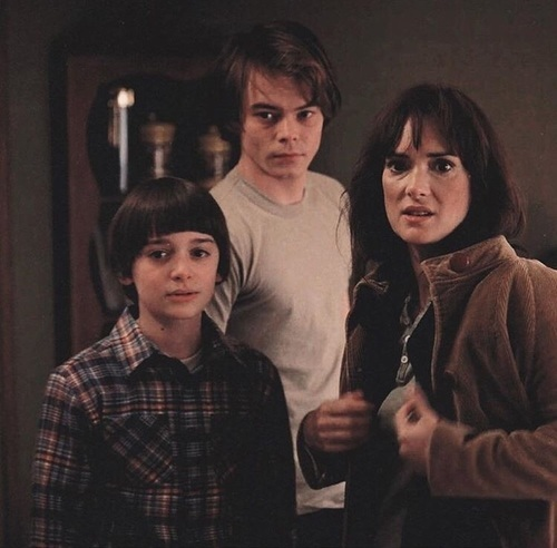 Winona Ryder plays Joyce Byers a mother to 2 teenage boys in Stranger Things and she isn't a mother in real life.
