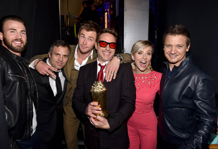 Scar Jo and her fellow Avengers castmates