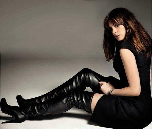 Me.Hathaway in black