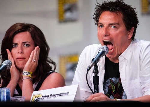Eve Myles and John Barrowman 😂