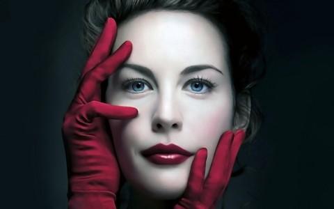 Liv wearing gloves