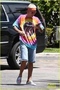 Justin in a tye dye RS シャツ