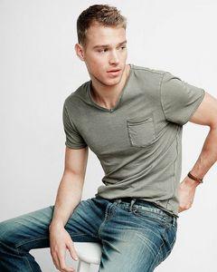 Matthew looking so fine in blue jeans