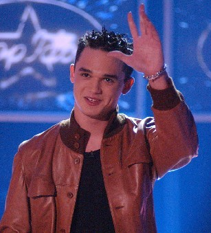 Gareth Gates when he first went on Pop Idol YEARS назад ! He's certainly hotter now ..