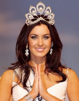 Who does former Miss Universe Natalie Glebova looks like?