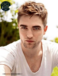 Right.Im going to say a actor and Ты post a picture that is hot.Post a picture of Robert Pattinson that Ты think is hot.