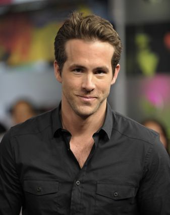 Right.Im going to say a actor and anda post a picture that is hot.Post a picture of Ryan Reynolds that anda think is hot.