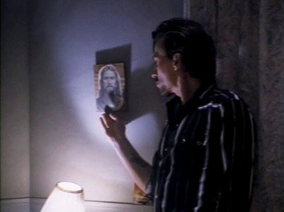 Post a pic of your fav actor looking at a picture/photo