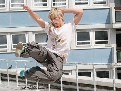 Post a picture of an actor doing kung fu.