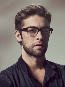 Post a picture of an actor who looks older with glasses.